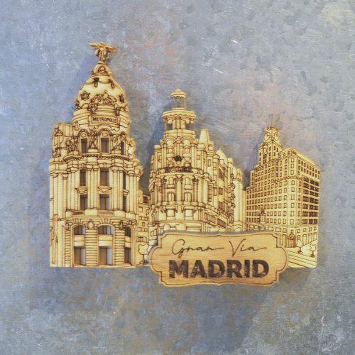 Aimant en bois. Gran Via 2 Madrid