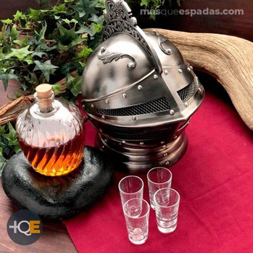 МЗЭ - Средневековый рыцарь шлем декантер
